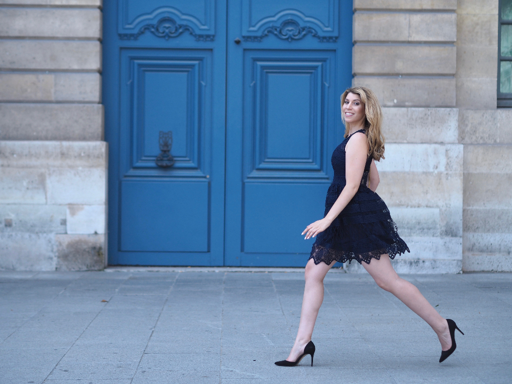Eleganter Streetstyle aus Paris am Place Vendome. © Julie en Rose / Veronika Merz 2016.