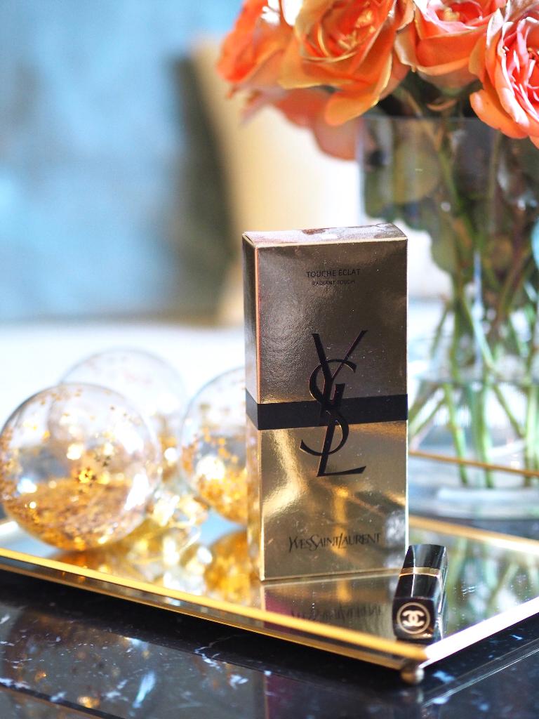 Black Marble Gold 10 Interior Tips For Small Rooms Julie En Rose
