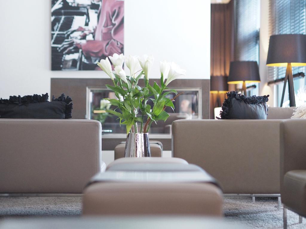 Modernes Design Hotel in Konstanz mit stylischer Lounge und Seeblick.